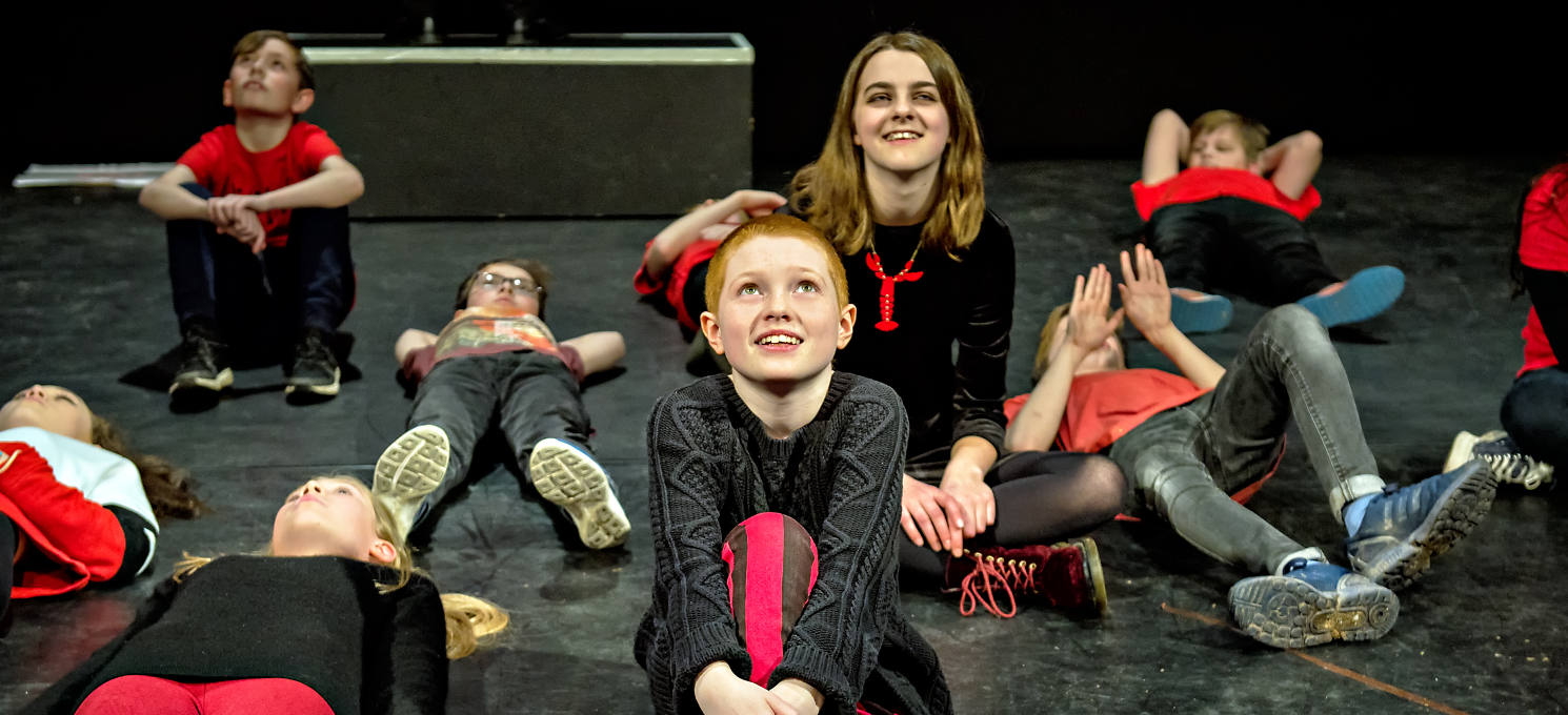 Youth Theatre-Ensemble Acting 11-13yrs Exploring Text